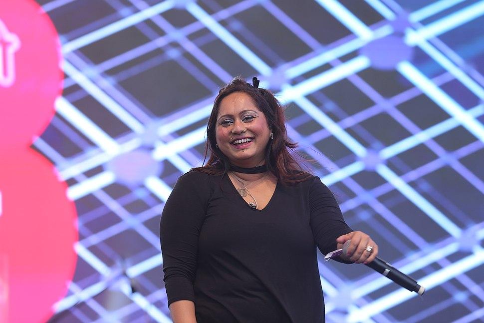 Shefali Alvares Live