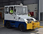 Skippers pushback tractor Perth 2018 (01).jpg