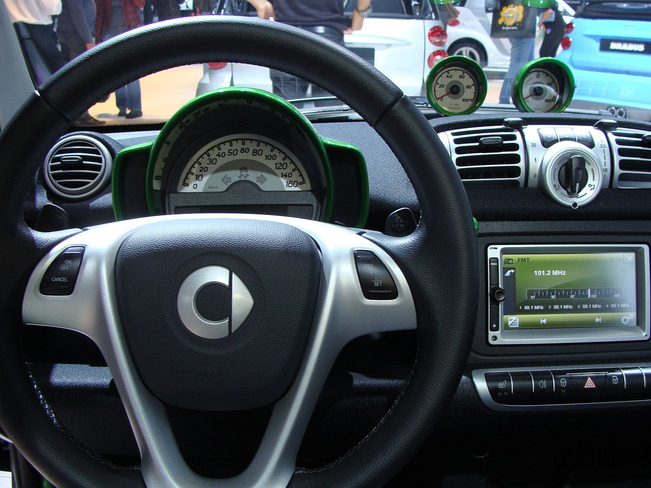 file smart fortwo coup electric drive on mias 2012 interior jpg wikimedia commons. Black Bedroom Furniture Sets. Home Design Ideas