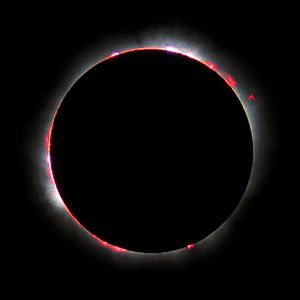 English: Total Solar eclipse 1999 in France. F...