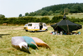 Sommerlager des Pfadfinderstammes Ägypten bei Ouroux (Morvan), Frankreich, 1989 - Lagerleben, Blick nach Nordwesten.png