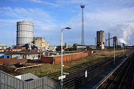 South Bank railway station in 2007.jpg