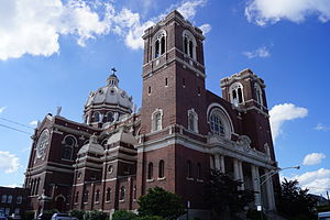 St. Mary of the Angels (Chicago) - St. Mary of the Angels from the southeast