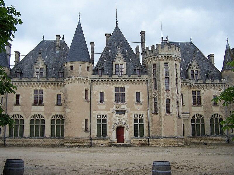 File:St Michel de Montaigne Château01.jpg