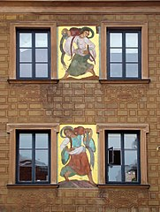 http://upload.wikimedia.org/wikipedia/commons/thumb/9/9f/Stare_Miasto_Stryjenska_02.jpg/181px-Stare_Miasto_Stryjenska_02.jpg