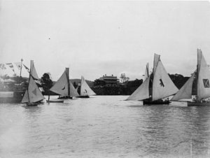 Regatta Hotel - Yachts in the Toowong Reach in front of the Regatta Hotel, 1897