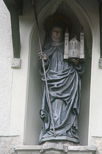 Standbeeld Erentrudis ben Portal der Benediktinerinnenabtei Nonnberg.JPG