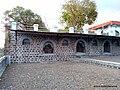 Statues, Paunar Ashram - panoramio.jpg