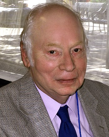 English: Steven Weinberg at the 2010 Texas Boo...