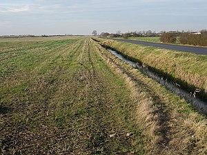 English: Stubble field, Grunty fen Flat arable...