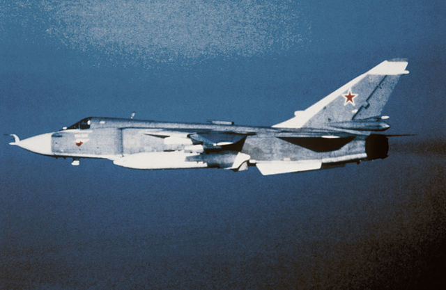 640px-Su-24_Fencer_left_side.jpg
