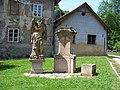 Svatý Jan pod Skalou, socha Jana Křtitele.jpg