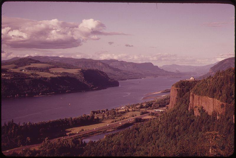 File:THE COLUMBIA RIVER GORGE - NARA - 548010.jpg