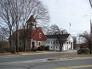 Mendon, Massachusetts - Image: Taft Public Library and Mendon Town Hall, MA