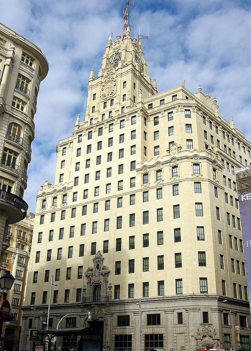 Edificio Telefónica, sede de Telefónica de España en la céntrica Gran Vía de la ciudad de Madrid, España.