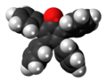 Tetraphenylcyclopentadienone 3D spacefill front.png