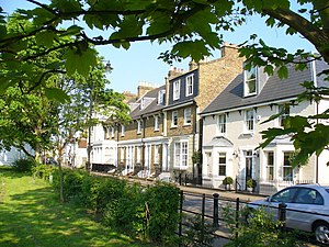 Sunbury-on-Thames - Image: Thames Street geograph.org.uk 793279