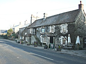 English: The Old Crown, Kelston No one seems t...