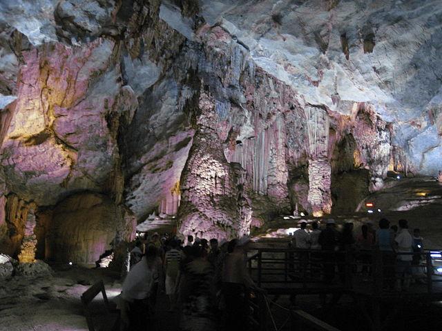 Thien Duong Cave, Vietnam