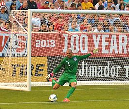 Tim Howard goal kick vs Belgium.jpg