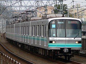 Tokyo Metro 9000 series - 9000 series set 19 on the Tokyu Meguro Line in February 2007