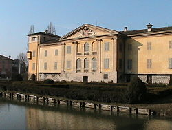 Torre de' Picenardi - Il Castello 02.JPG