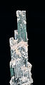 Tourmaline var. indicolite et mica var. lépidolite (Minas Gerais - Brazil).jpg