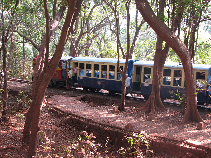 File:Toy Train matheran.jpg