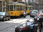 Tram Milaan in drukke straat.jpg
