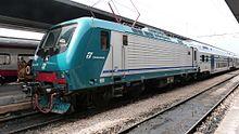 Locomotiva E.464 in livrea XMPR.