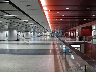 Tsuen Wan West station - Concourse