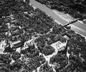 Marienkapelle, Würzburg - Marienkapelle (on the right) and the destroyed centre of Würzburg in 1945