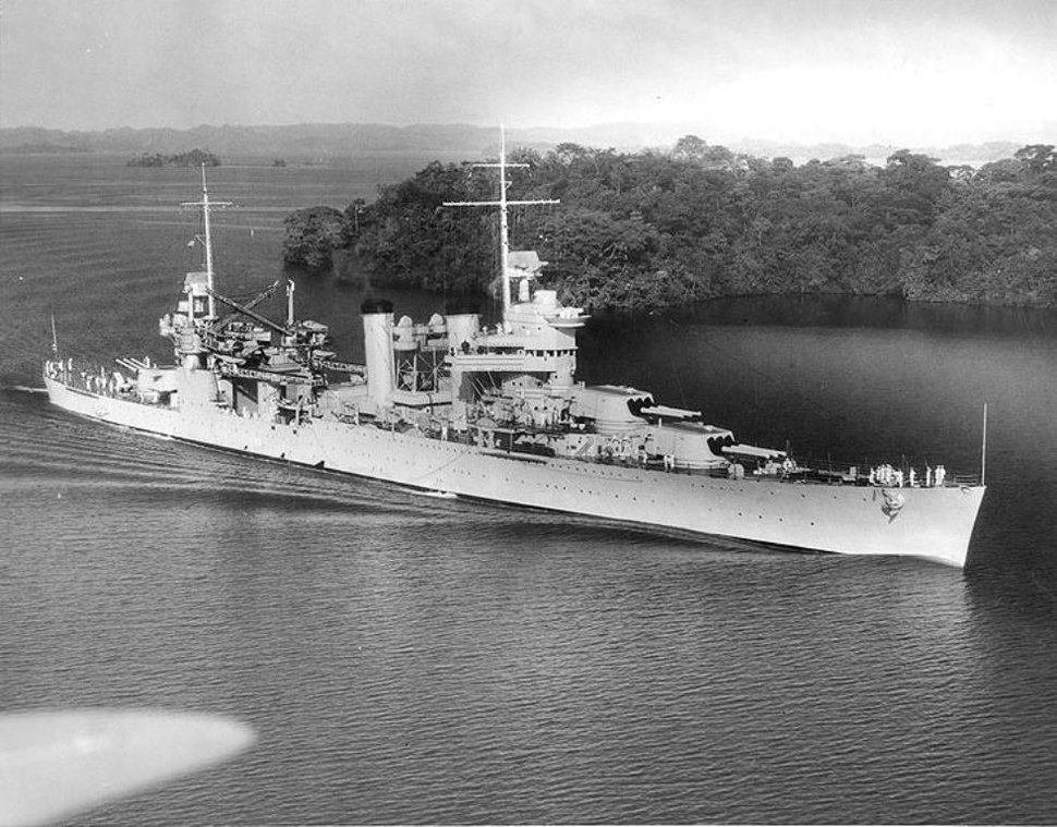 USS Vincennes (CA-44) in Panama Canal 1938
