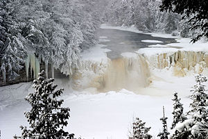 Tahquamenon Falls - Image: Upper Tahquamenon Falls