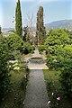 Uzzano, villa del castellaccio, giardino 01.jpg