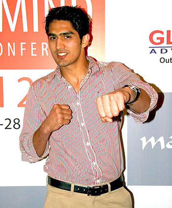 English: Vijender Singh at Milind Soman's gym ...