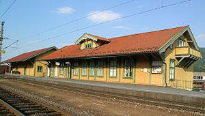 Randsfjorden Line - Image: Vikersund station