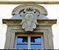 Villa di bivigliano, fronte, stemma 01.jpg