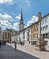 Villach Innenstadt Hauptplatz Dreifaltigkeitssäule Palais 26 Stadtpfarrkirche 23042021 0843.jpg