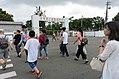 Visitors Walking across Jieshou West Road 20170812.jpg