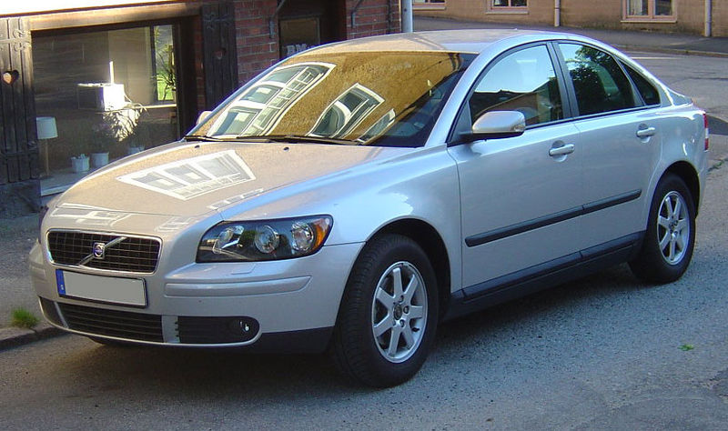 Volvo s40 2nd generations 2.jpg