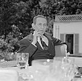 Walter Mehring zittend op een terras, Bestanddeelnr 254-5053.jpg