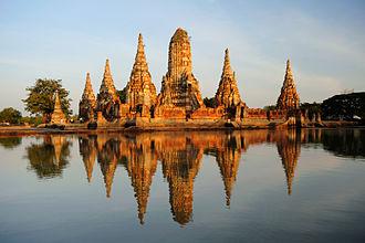 Central Thailand - Image: Wat chaiwatthanaram