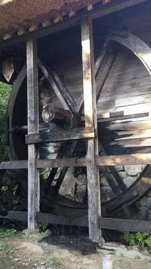 ファイル:Water wheel in japan.webm
