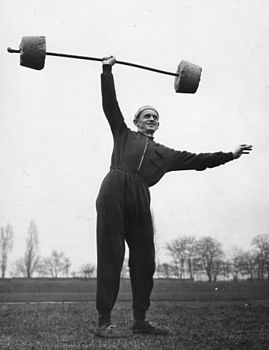 Weight lifting, sweater Fortepan 84662.jpg