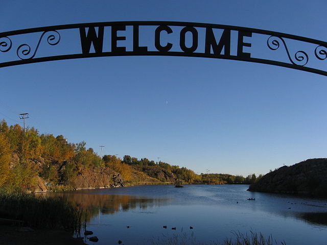 Welcome to Flin Flon By Theoffice89 - AaronC (Own work) [CC-BY-SA-3.0 (http://creativecommons.org/licenses/by-sa/3.0)], via Wikimedia Commons