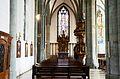 Werl, denkmalgeschützte Propsteikirche, Blick durch das linke Seitenschiff auf den Erbsälzeraltar und die Kanzel.JPG