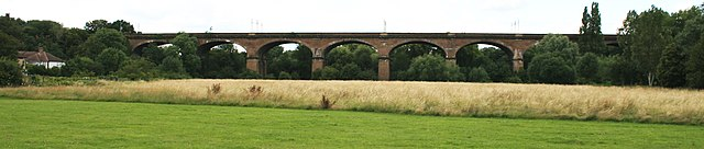 640px-Wharncliffe_viaduct_wideview.jpg
