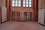 Wismar, St. Georgen, diverse Grabplatten 3.JPG