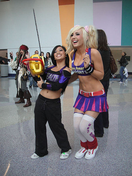 File:WonderCon 2012 - a real cheerleader and Juliet Sterling from Lollipop Chainsaw (6873356014).jpg